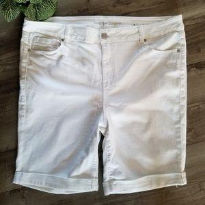 Avenue size 22 white denim cuffed shorts